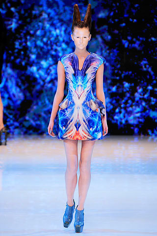 images/cast/90000148342702034=OUR BEST PERFORMANCE for  Alexander Mcqueen - Summer show 2010